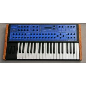 DSI Mono Evolver PE Keyboard синтезатор